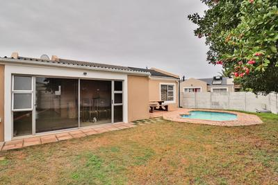 Property For Sale in Goodwood Park, Goodwood
